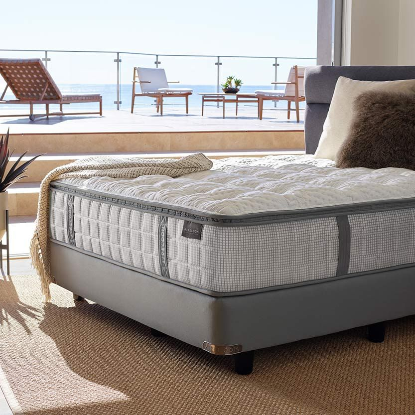 Silver Strand Luxetop Plush - Floor Model